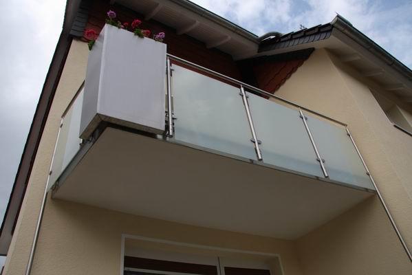 balkongel nder edelstahl glas 9 metallgestaltung. Black Bedroom Furniture Sets. Home Design Ideas