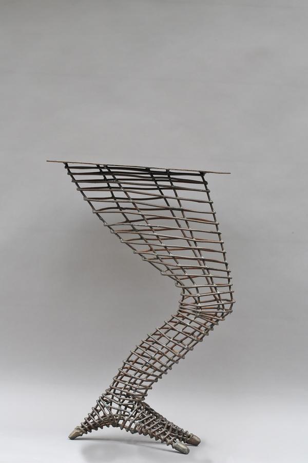 untergestell f r einen tisch drachenbein metallgestaltung. Black Bedroom Furniture Sets. Home Design Ideas