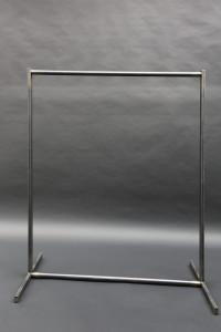 Gerderobe aus Stahl (1)