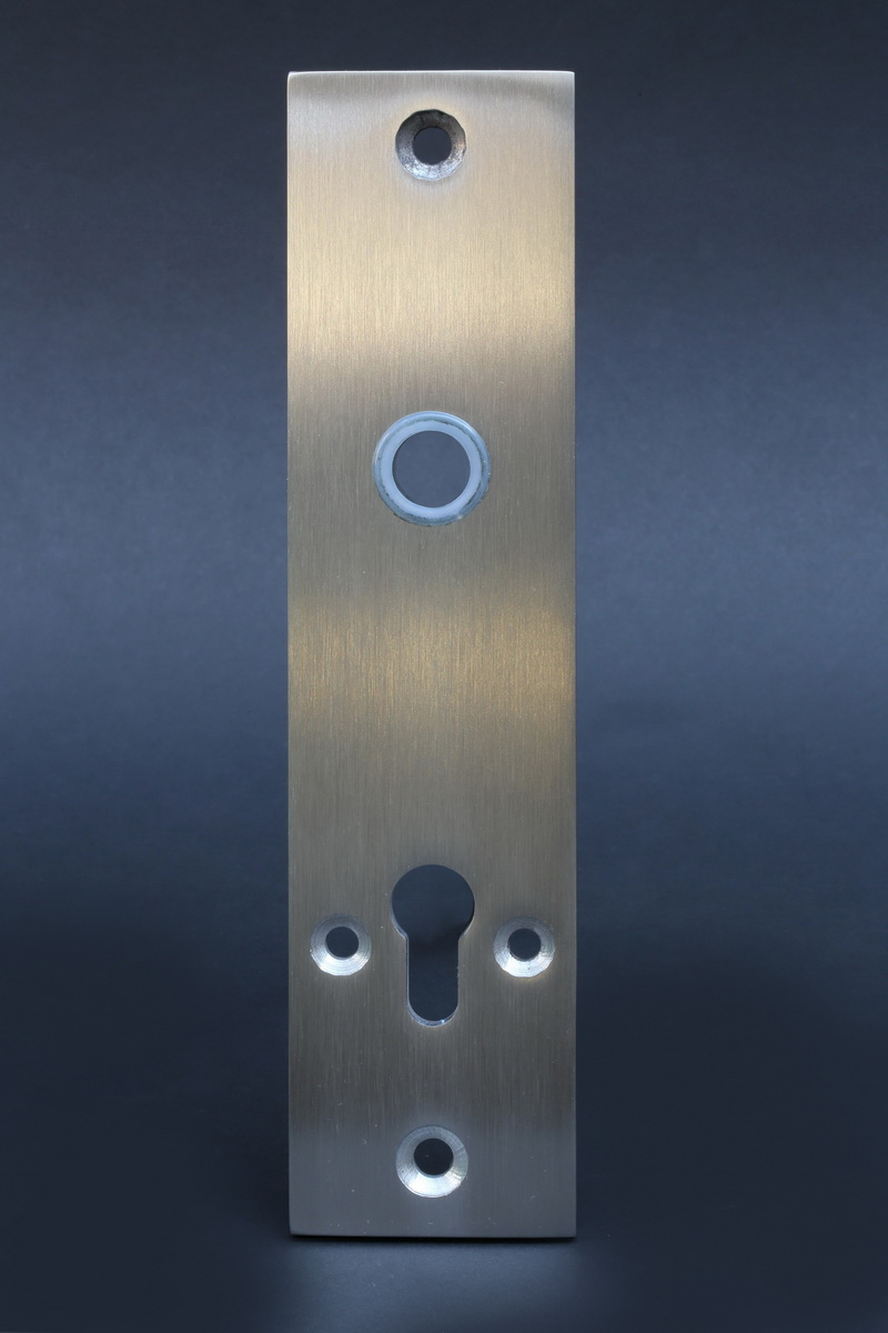 schlie blech aus 8 mm edelstahl metallgestaltung. Black Bedroom Furniture Sets. Home Design Ideas