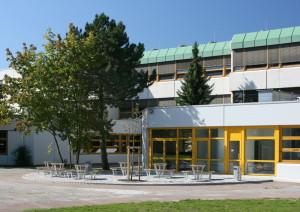 Schulbänke Isernhagen (2)